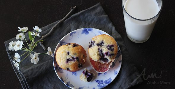 "A ""new"" New Year's Resolution! (milk + greek yogurt muffin) by Brenda Ponnay for Alphamom.com"