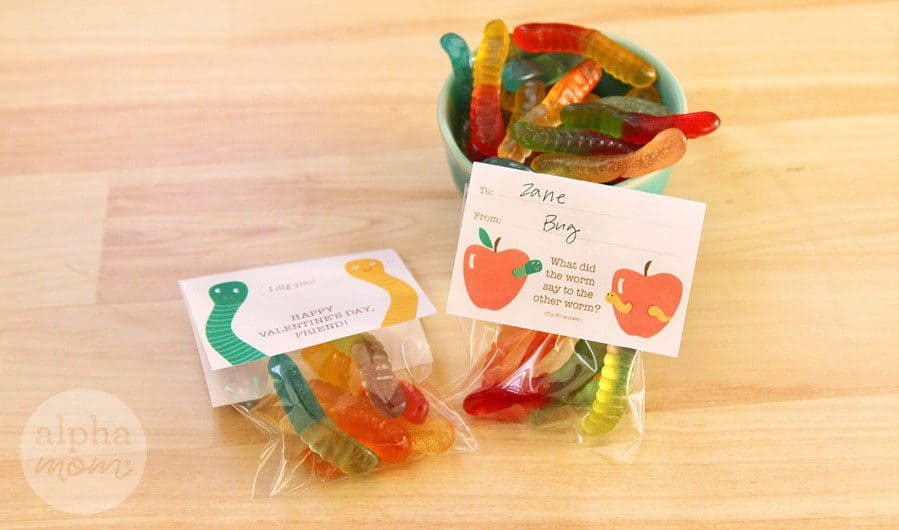 Funny Gummy Worm Valentine for Classmates by Brenda Ponnay for Alphamom.com