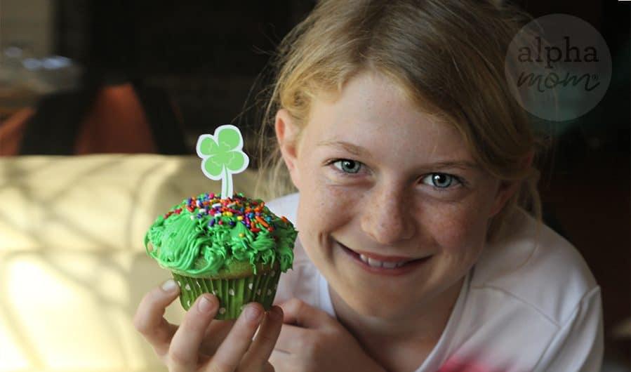 St. Patty's Day Leprechaun Cupcakes by Brenda Ponnay for Alphamom.com