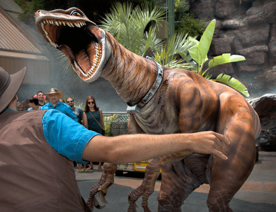 Universal Studios Hollywood: What To Do With Kids (Raptor Encounter)