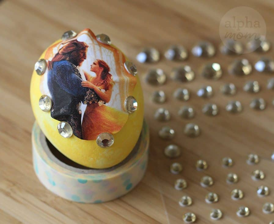 10 Beauty and the Beast Inspired Easter Egg DIYs: sticker (by Brenda Ponnay for Alphamom.com)