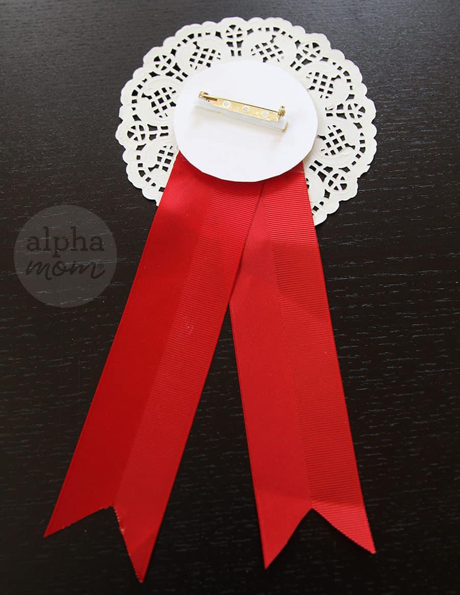 Best Teacher Badges for Teacher Appreciation Week (tutorial) by Brenda Ponnay for Alphamom.com
