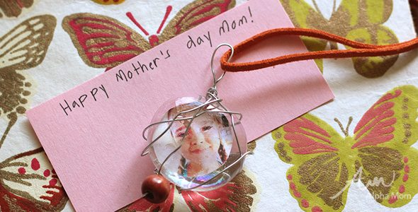 Easy Mother's Day Pendants DIY by Brenda Ponnay for Alphamom.com