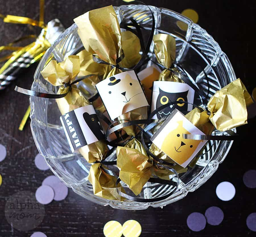 DIY New Year's Mini Confetti Crackers in a bowl