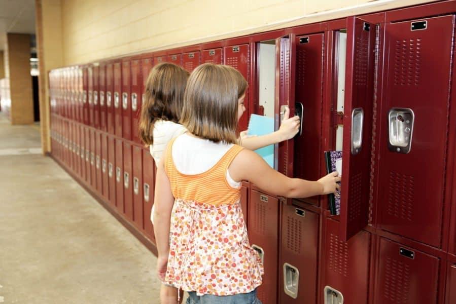 New School, Friend Blues: Navigating Lonely Tween Trouble