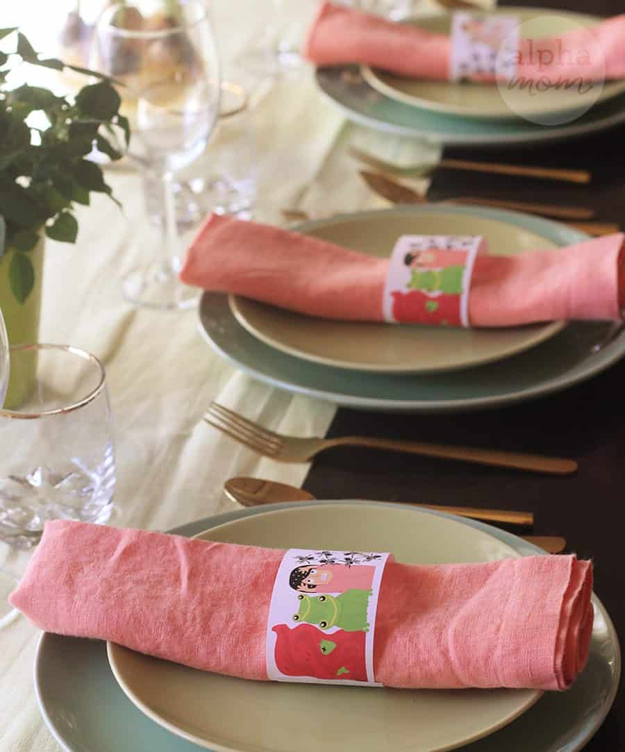 Passover Dinner Educational Napkin Rings for Kids by Brenda Ponnay for Alphamom.com #Passover #TenPlagues #JewishHolidays #KidsCrafts
