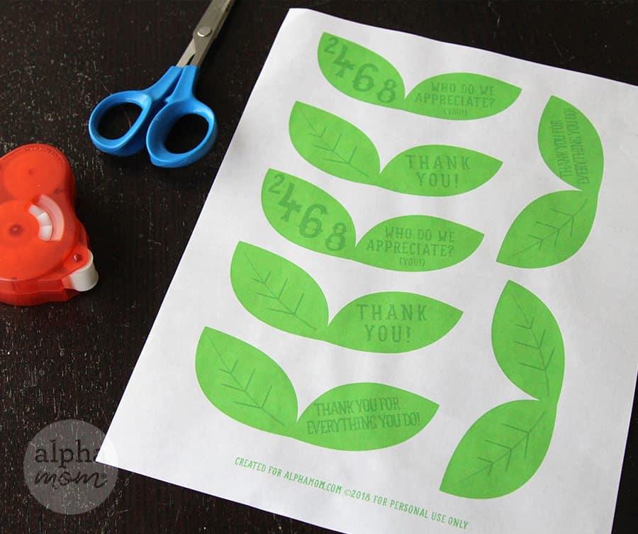 Stress Ball Apples Teacher Gift DIY (printable) by Brenda Ponnay for Alphamom.com