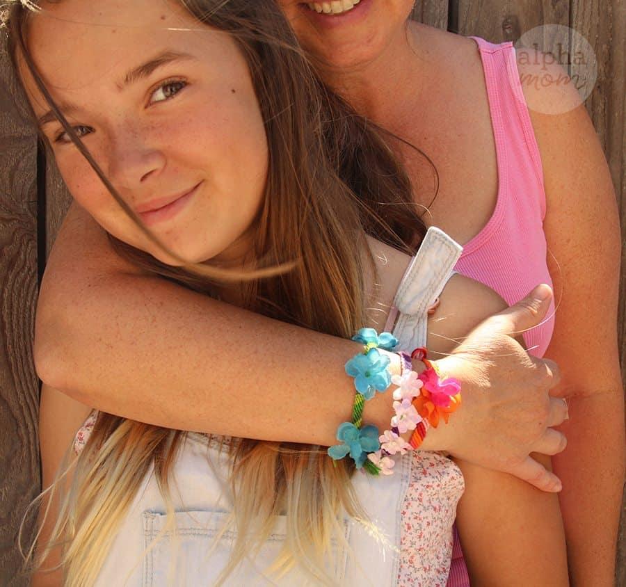 Flower Friendship Bracelets for Mom (trio of bracelets) by Brenda Ponnay for Alphamom.com #friendshipbracelets #MothersDay #DIY #kidcrafts #craftsforkids