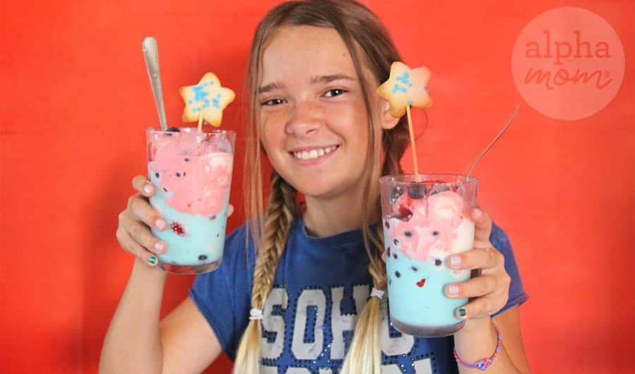 Patriotic Ice Cream Sundaes and Star Cookies by Brenda Ponnay for Alphamom.com #starcookies #icecream #July4th #IndependenceDay #FourthOfJuly #4thOfJuly #PatrioticHolidays