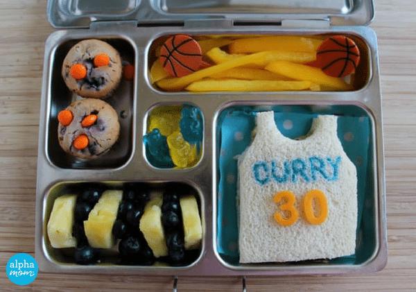 Golden State Warriors Bento Lunch by Wendy Copley for Alphamom.com #NBA #GSW #bentobox #bentolunch #kidslunch #basketballlunch #foodcrafts #StephenCurry