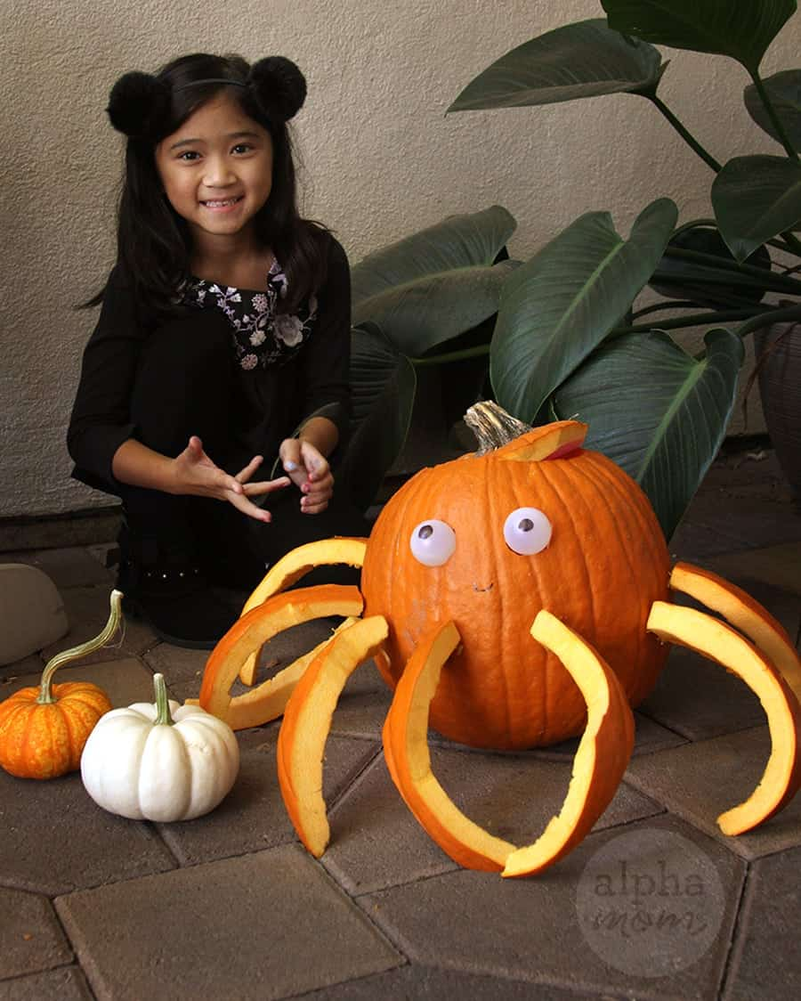 3D Octopus Jack o' Lantern Carving Tutorial for Halloween by Brenda Ponnay for Alphamom.com