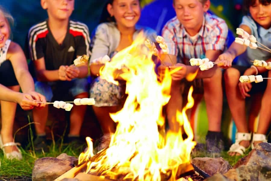 Ways To Keep In Touch While Your Kids At Sleepaway Camp #Parenting #SummerCamp #RaisingKids #Tweens #SummerKids